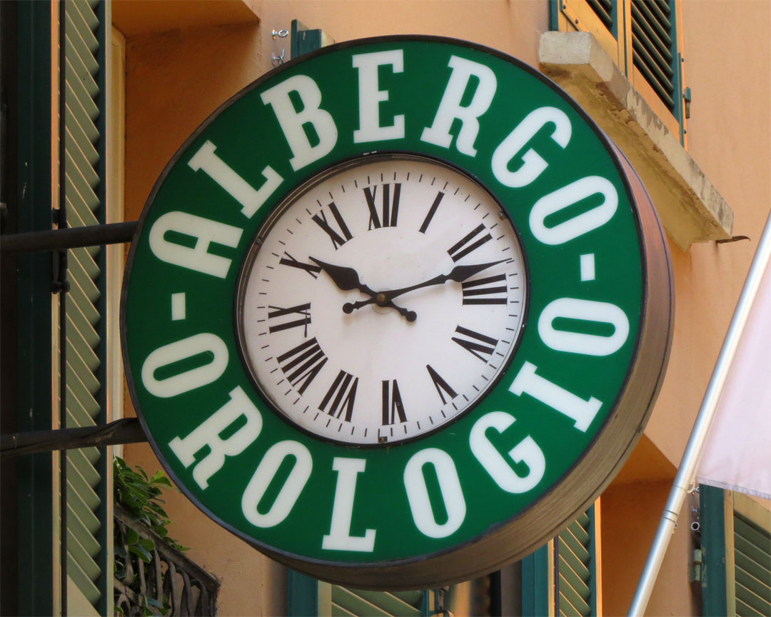 Daily photo stream albergo orologio for Hotel art orologio bologna
