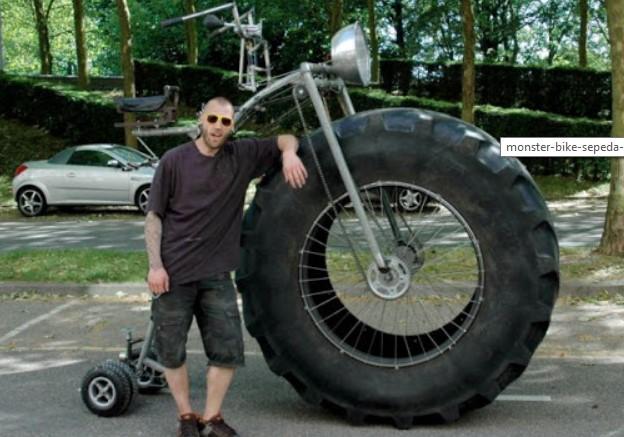 Aneh Unik Foto Monster Sepeda