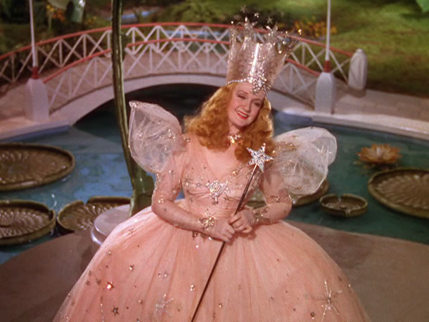 Phyllis Loves Classic Movies Behind The Dress Glinda In The
