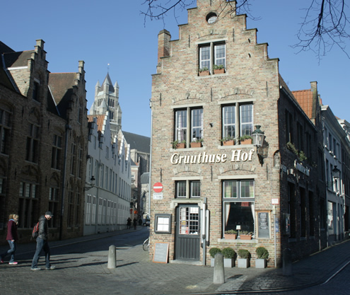 Must-sees in Bruges | Happy in Red