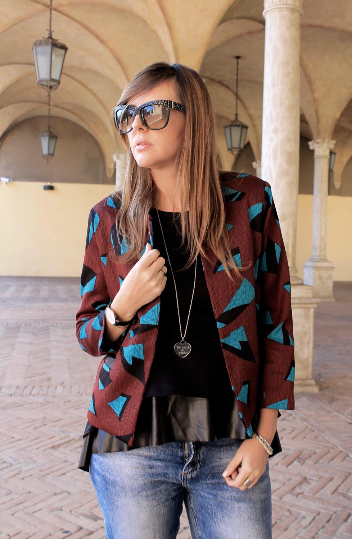 outfit burgundy e nero
