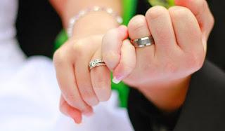 Memilih cincin nikah