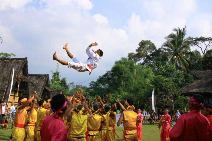 Surak Ibra, Kesenian Tradisional Dari Garut Jawa Barat