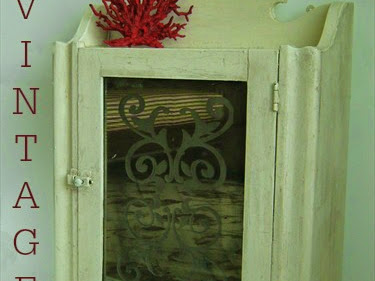 Vintage Medicine Cabinet Makeover