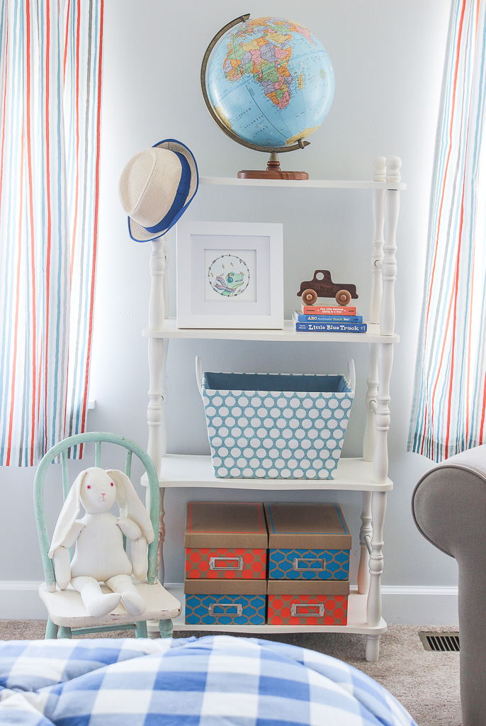 kid's room shelving