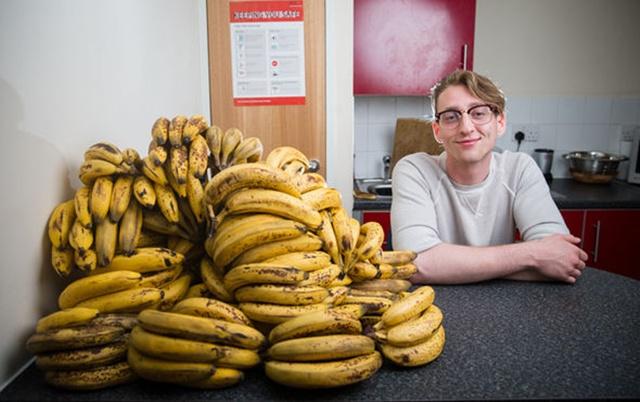http://loverlem.blogspot.com/2017/11/diet-unik-dengan-memakan-150-buah.html