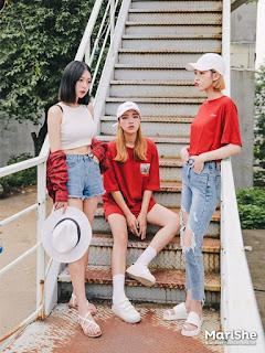 Fashion Ala Korea Yang Serba Denim Cocok Untuk Kalian Coba