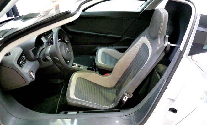 Volkswagen XL1 interior