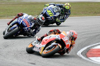 Marquez Lebih Waspadai Rossi Ketimbang Lorenzo