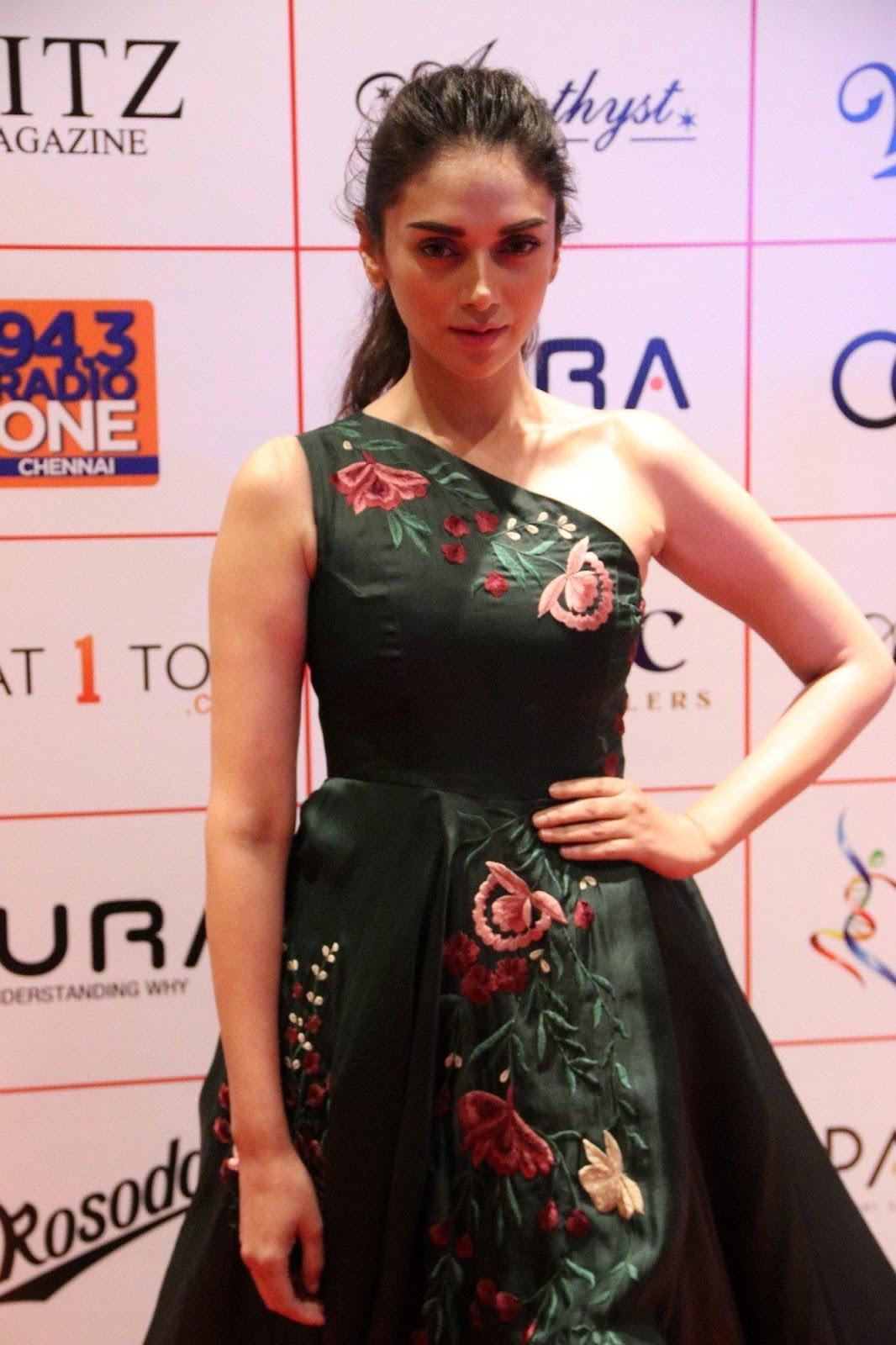Aditi Rao Hydari Looks Super Hot At The Audi Ritz Style Awards 2017