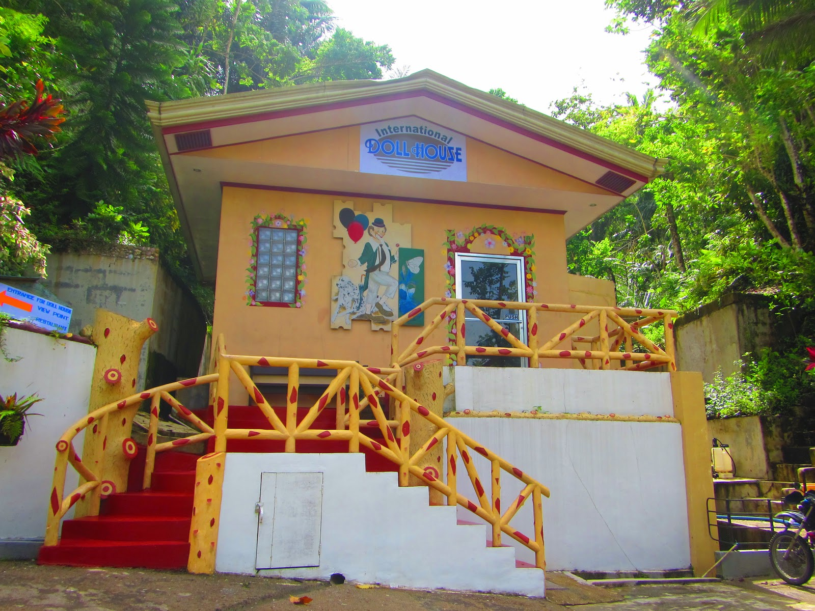 Lexical Crown International Doll House Philippines