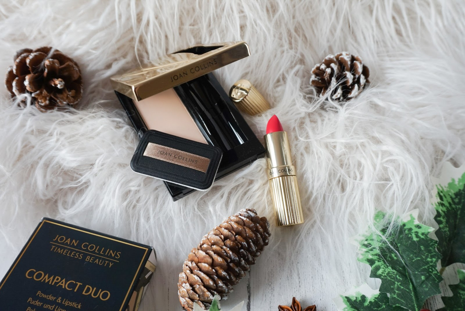 Christmas | Beauty Stocking Fillers Under £25 Joan Collins Tineless Beauty Compact