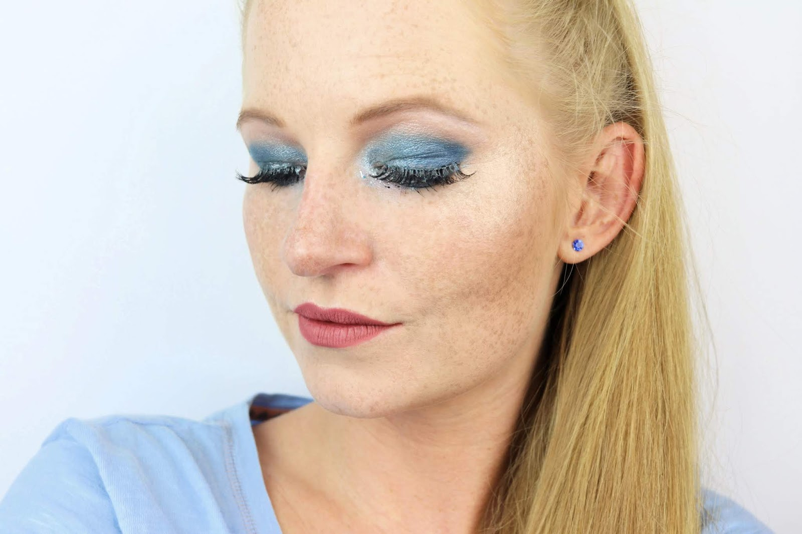 amu, beauty blogger hamburg, blue silver, colourpop, essence, eyeshadow, glitter, lidschatten, lidschatten 1×1 blau silber, liquid lipstick, make-up, primark fake lashes, silvester look, talasia.de blogparade,