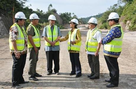 Rini Soemarno Tegaskan Pembangunan Jalan Tol di Sumbar Segera Terwujud