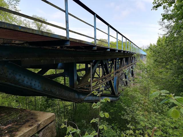 Pieniężno zabytkowy most kolejowy