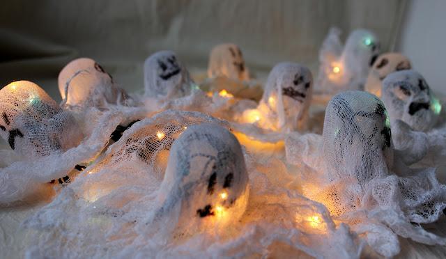 гирлянда, привидения, хеллоуин