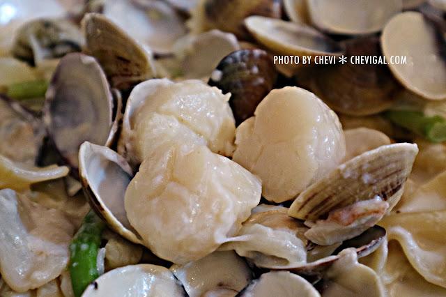 IMG 1439 - 台中西屯│懷特.朵兒義式料理*蒜香口味唇齒留香。蛤蠣都要快滿出盤子啦