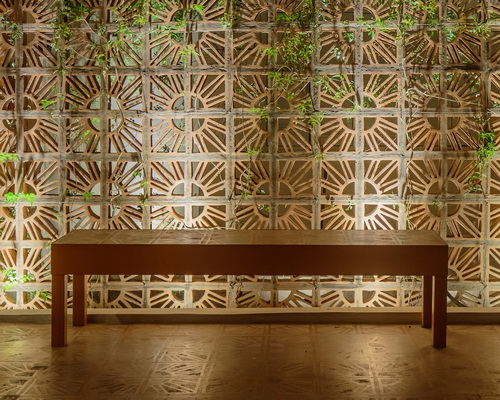 www.Tinuku.com Campana studio use coster cobogó terracotta bricks design for Aesop store in São Paulo