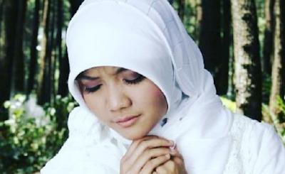 Kumpulan Lagu Sulis Mp3 Album Religi Pilihan Full Rar