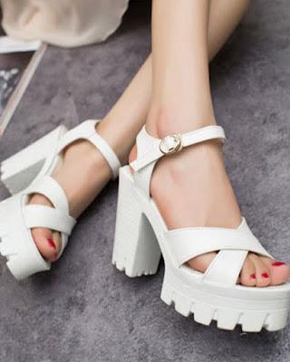 tacon de moda blanco