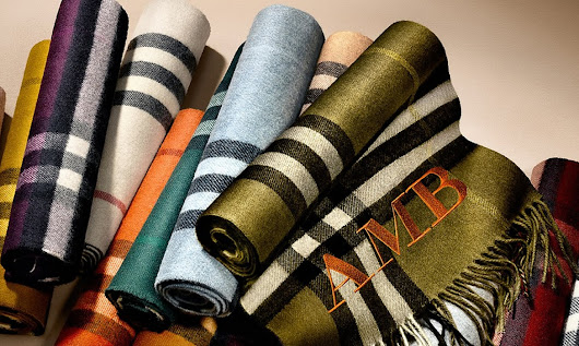 "Burberry launches customizable ""Scarf Bar"""