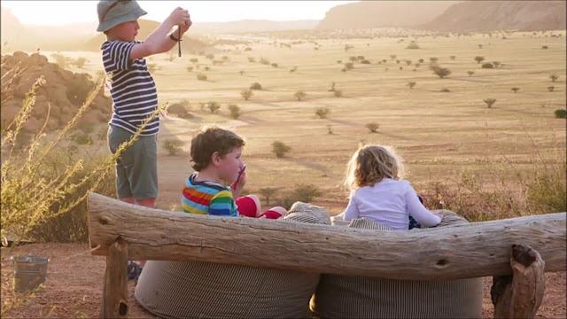 Và hơn hết cả, để chinh phục thiên đường sa mạc Namibia, bạn cần bỏ vào hành trang của mình một tinh thần phiêu lưu, vượt lên cả nỗi sợ để thấy đầy kích thích trước một chuyến roadtrip dài ngày mà bạn không biết điều gì sẽ xảy ra phía trước.