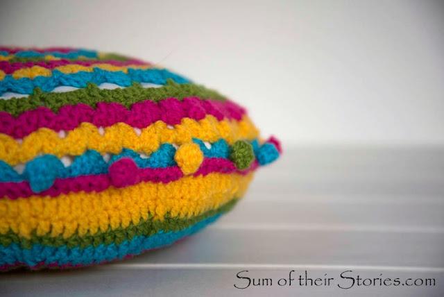 round crochet cushion cover