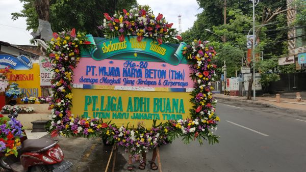 bunga papan kayoon surabaya, bunga papan surabaya murah, pesan bunga papan surabaya