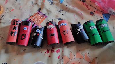 bricolage activité ateliers enfants halloween petits monstres rouleau WC