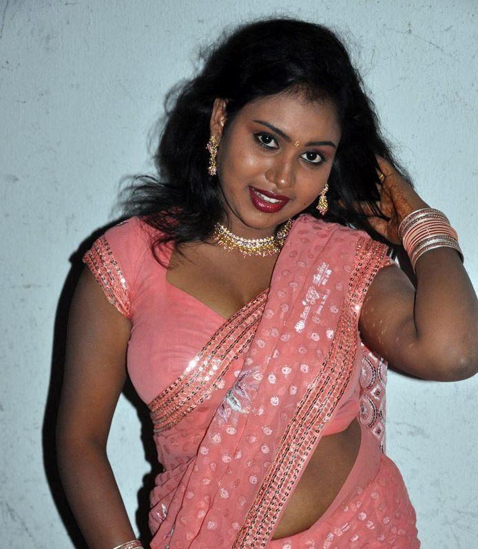 Tamil Actress Nalini Hot Saree Photos Gallery