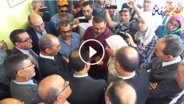بالفيديو.. حصاد يستمع لمتضررين من الحركة الانتقالية بالقصر الكبير -24 يوليوز 2017