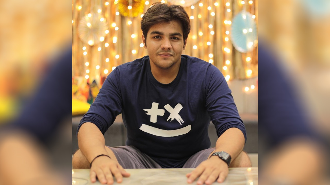 Ashish Chanchlani Biography, Age, Height, Weight, Family, Wiki, Girlfriend & More