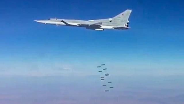 Aviones rusos abaten a 120 terroristas del EI que se dirigían de Raqa a Palmira
