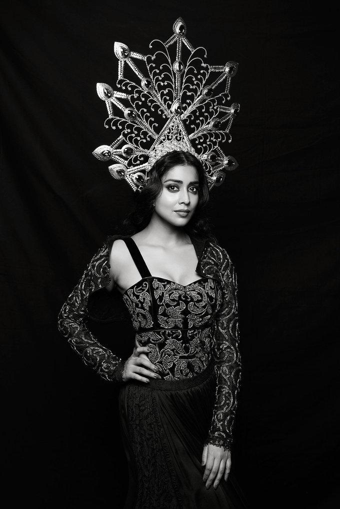 Annaika Lookbook with Shriya Saran Stills