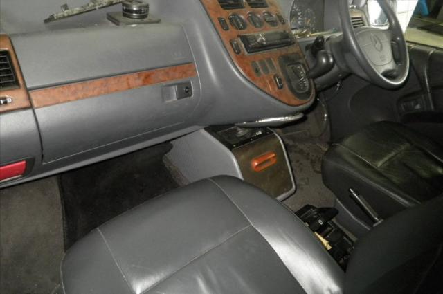 Mercedes Benz V230 1999