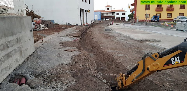 La falta de previsión hace que se ejecute la peatonalización en Puntallana sin todas las canalizaciones
