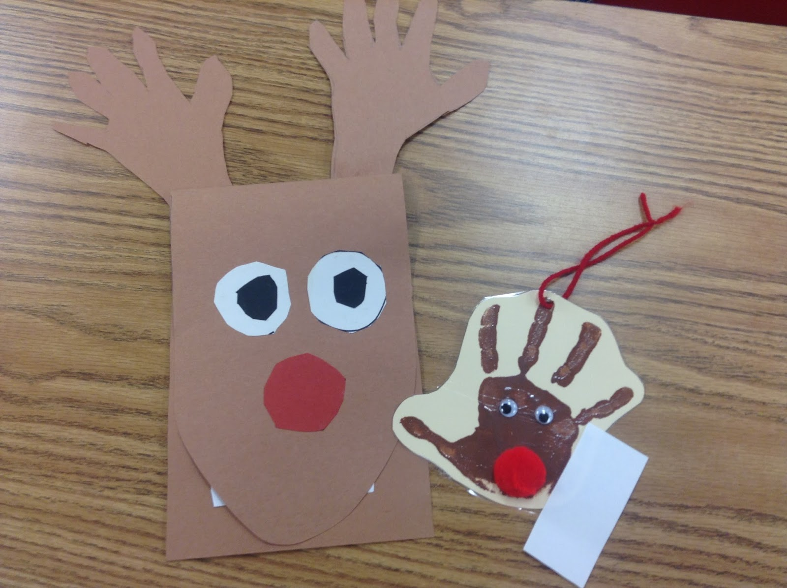 Christmas Gifts For Parents From Students.Dr Clements Kindergarten Students Creating Christmas
