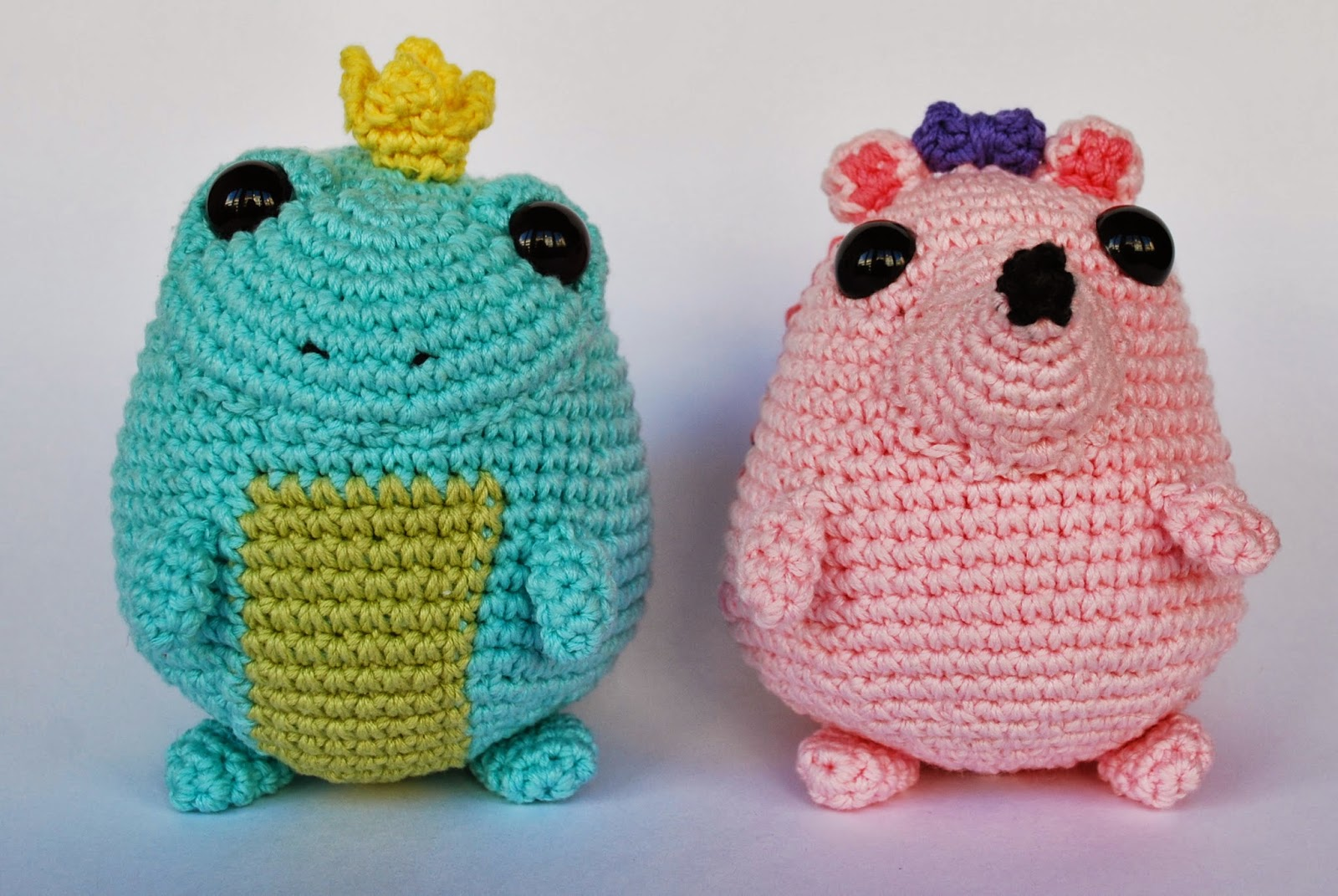 amigurumi hedgehog and toad