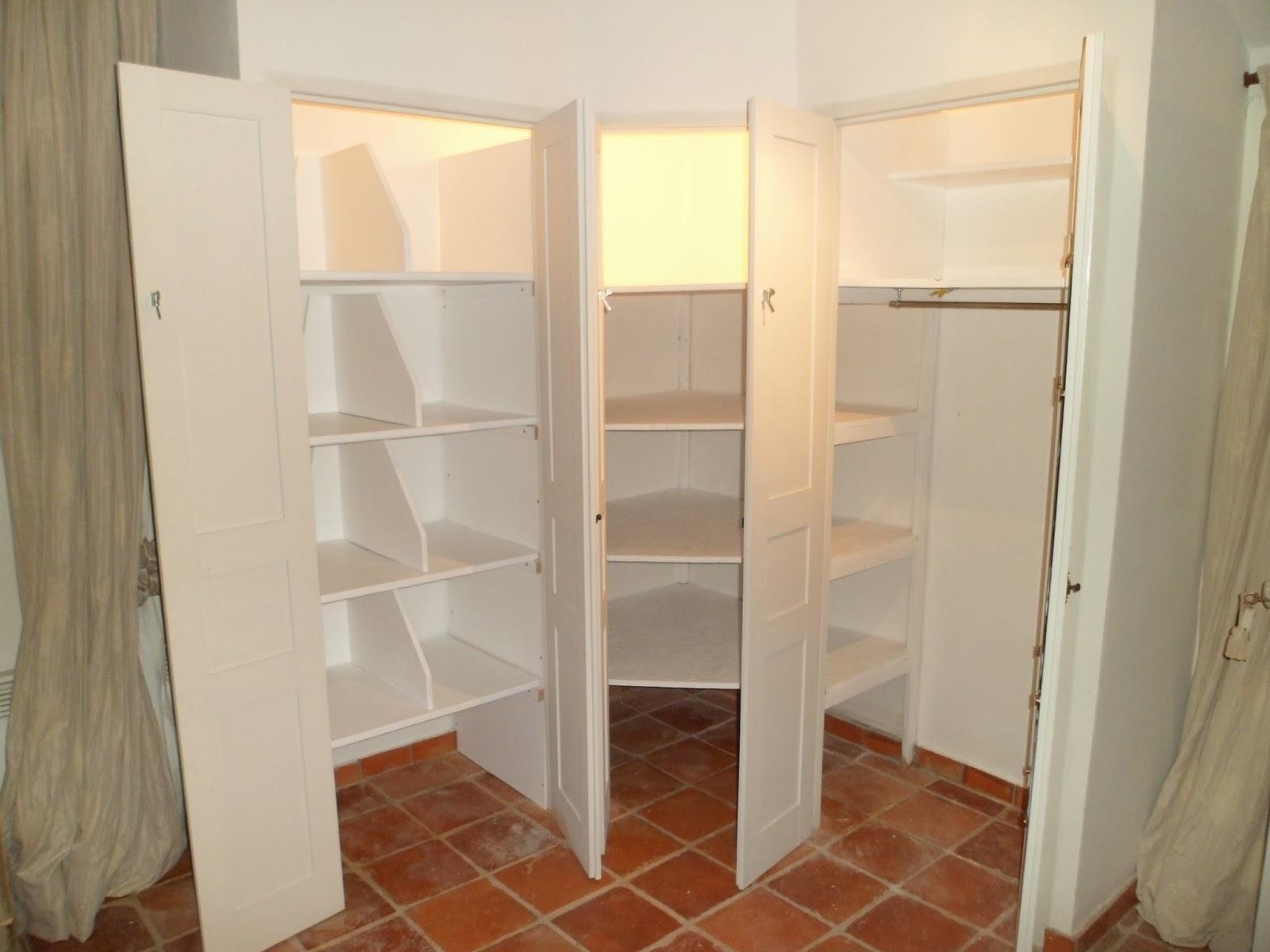 montage de meuble st raphael assemblage de meubles en kit. Black Bedroom Furniture Sets. Home Design Ideas