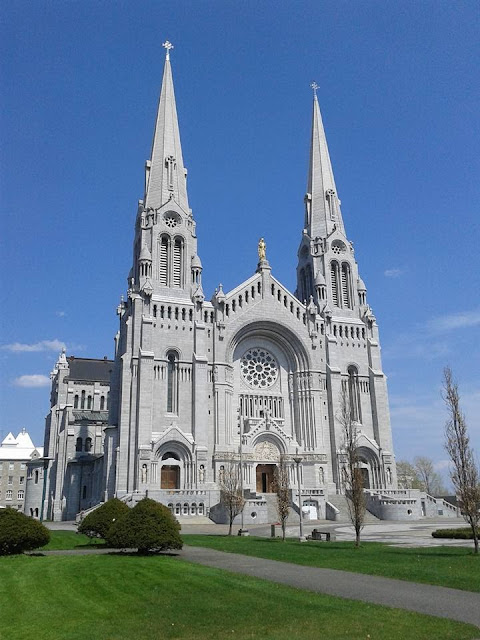 The On-Line Buzzletter: Quebec City Trip #30:Massive Cathedral in ...