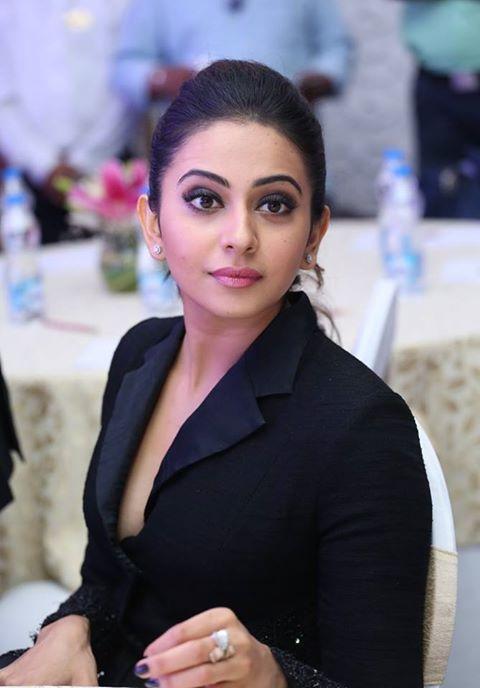 Rakul Priyanka Rathod Hot Thighs