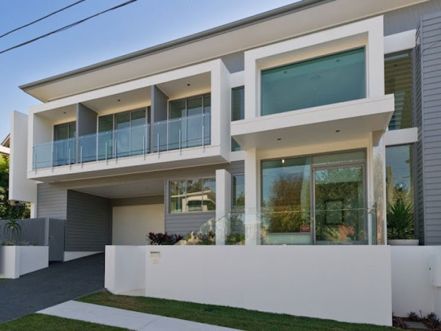 Photo of back facade of modern contemporary home in Brisbane, Australia