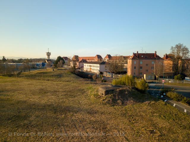 Casemate SFCO, caserne Abbatuci et Munitionsraum 4 - vue aérienne