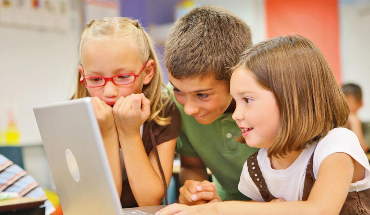 4 Cara Menjauhkan Anak dari Internet yang Tidak Sehat