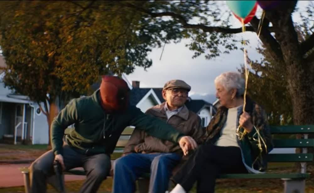 """Once Upon a Deadpool : マーベルのコミックヒーロー映画と言っても、シネマティック・ユニバース外のFOX作品なんて、公式じゃない ! ! と、ディズニー傘下に入って、公式になるFOXが自虐的ジョークを放った """" 非公式 """" な最後のパチモン・ヒーロー映画「ワンス・アポン・ア・デッドプール」の予告編を初公開 ! !"""