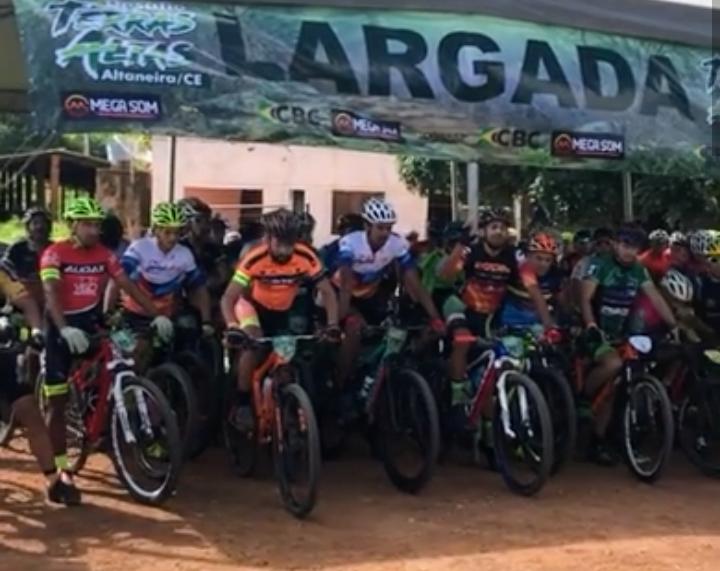 8734990980b 75 ciclistas de todas as regiões do Ceará participam do Desafio Terras  Altas do Campeonato MTB de Altaneira