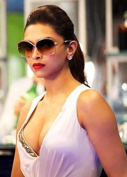 actress boob photo Bollywood