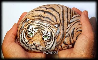 Tigre-dipinta-su-sasso-di-mare