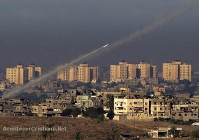 Lanzamiento de misiles desde Gaza contra Israel