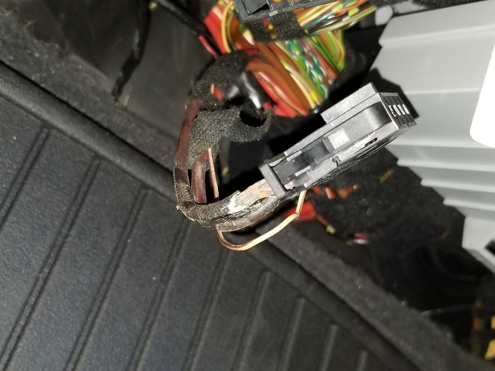 hight resolution of welcome to my blog bmw stories and more e90 bmw recalls my rh msauceda1 blogspot com bmw radio wiring harness bmw wiring harness diagram